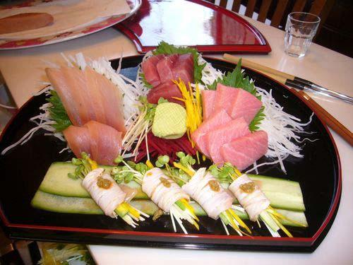 Description: Kết quả hình ảnh cho Rượu Sake Black & Gold 720ml ăn kèm món ăn